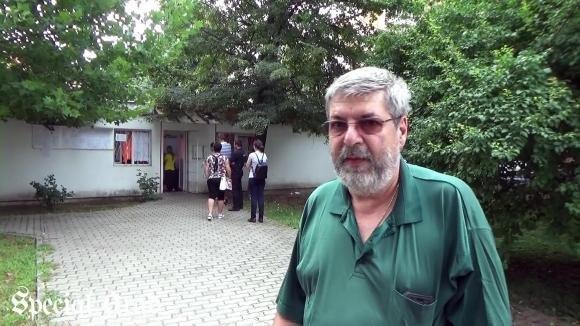Adrian Dărăbanţiu, nedic de familie, a vrut să se facă brancardier