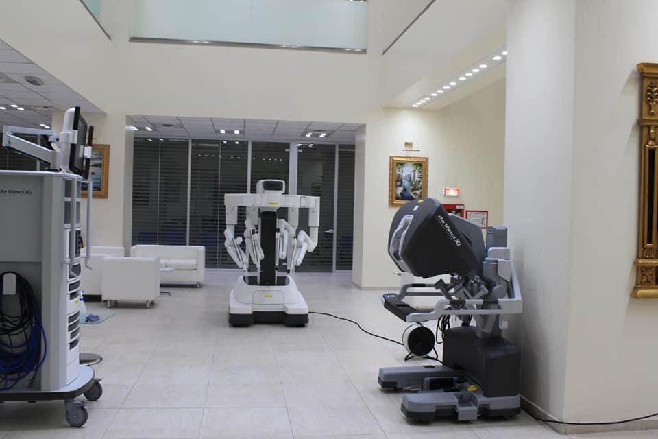 Robotul da Vinci Xi