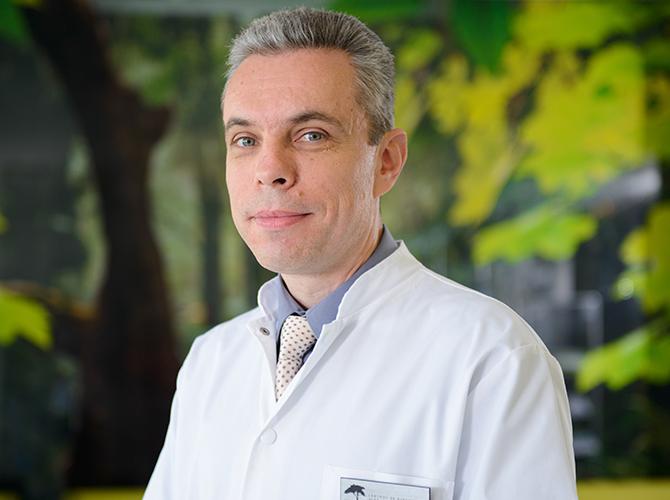 """Dr. Cristian Turdeanu: """"Cinci lucruri importante despre radioterapie. Tratamentele naturiste trebuie evitate cu orice preț"""""""