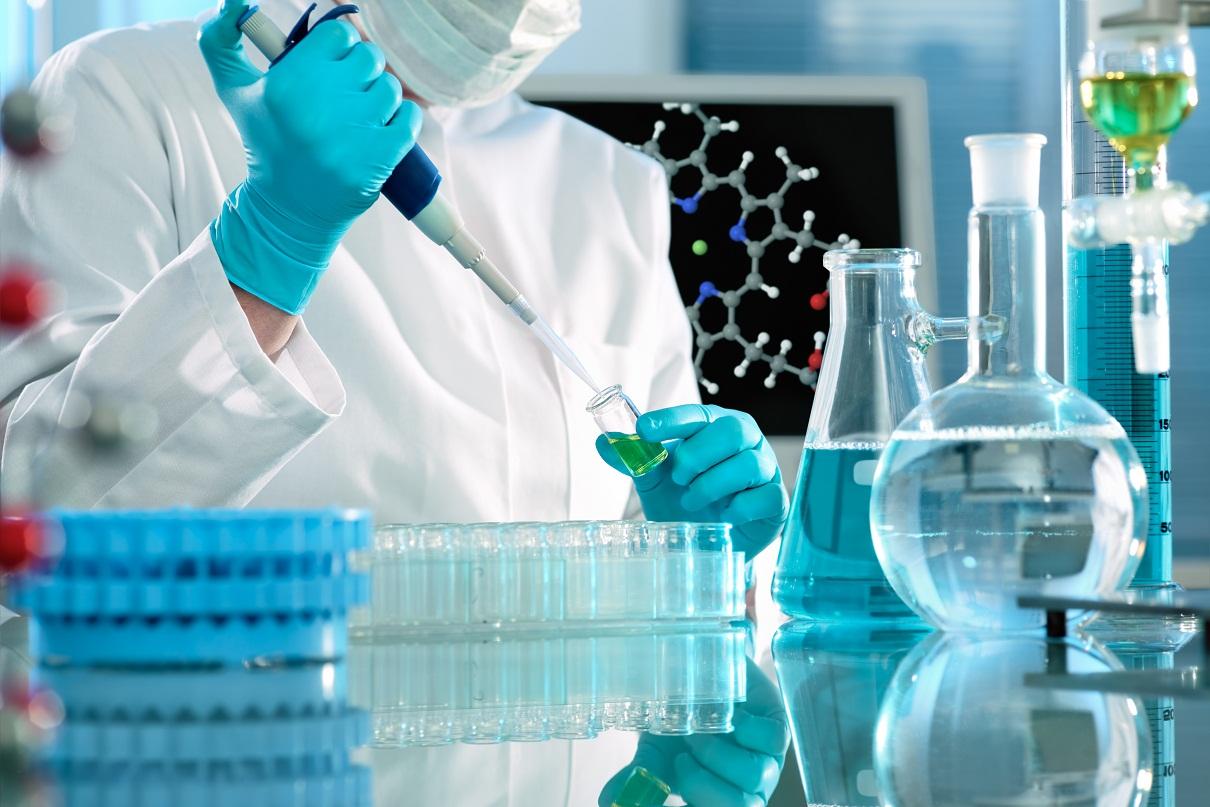 """Ministrul Sănătății: """"Centrele de oncologie care nu folosesc echipe multidisciplinare nu mai primesc finanțare"""""""