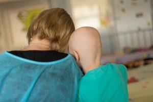 10 cazuri de cancer la suta de mii de copii