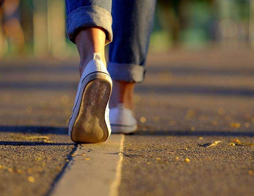 """Mersul pe jos, """"cel mai apropiat lucru de un medicament minune de care dispunem"""""""