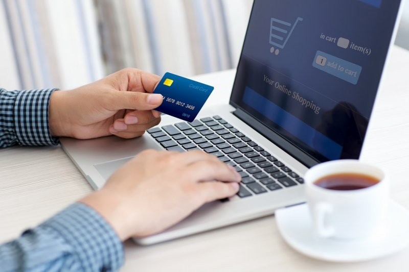 Despre dependența de cumpărăturile online