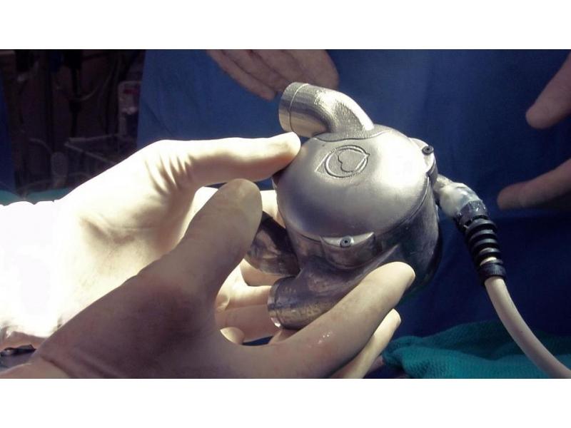 Inimă bionică pentru testarea valvelor cardiace