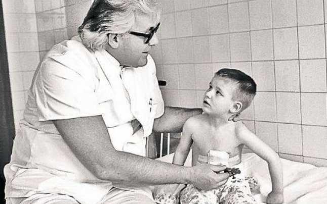 """Fabuloasa poveste a chirurgului Pesamosca: """"N-am fost niciodată trufaș"""""""