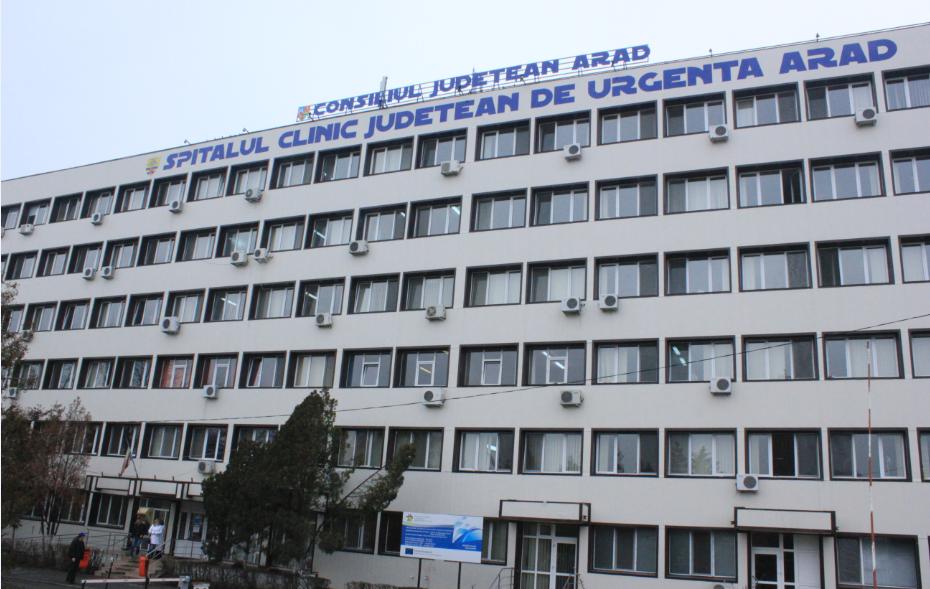 Arad. Rezidenți italieni și francezi îi îngrijesc pe pacienții români