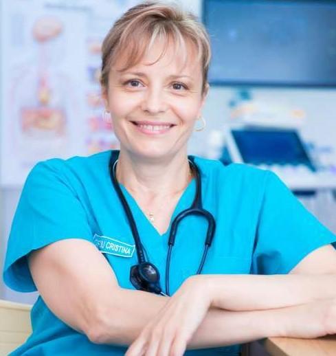 """Dr. Cristina Spiroiu: """"Un organism sănătos şi bine hrănit are şanse mai mari în lupta cu infecţiile"""""""