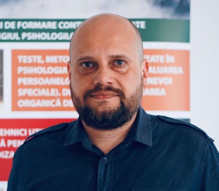 Psiholog Ionuţ Ghiugan. Cum facem diferența între psiholog și psihiatru