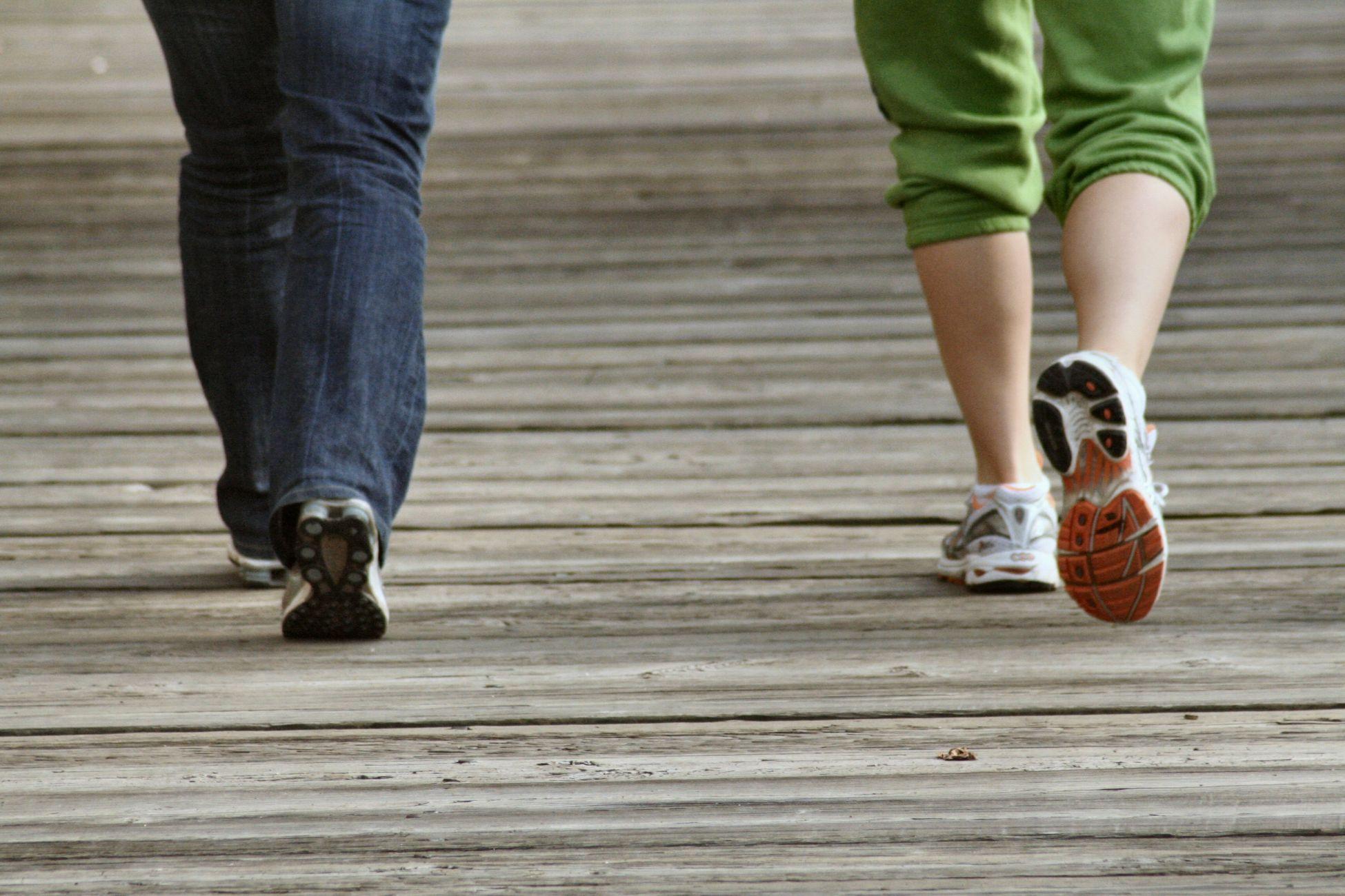 """Cel mai bun medicament împotriva infarctului: """"Mersul pe jos, în pas alert. Nu trebuie să mergem la sală"""""""