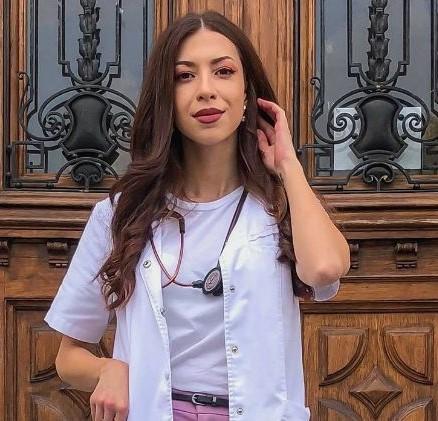 Dr. Yasmine El-Zenati: Pe lângă tratament, pacienții au nevoie de o vorbă bună