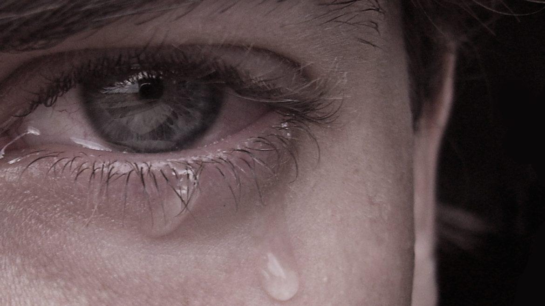 Beneficiile plânsului pentru sănătate. Când sunt lacrimile o problemă