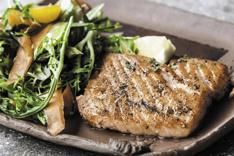 Ce avem la cină? Variante prietenoase cu inima, propuse de cinci cardiologi