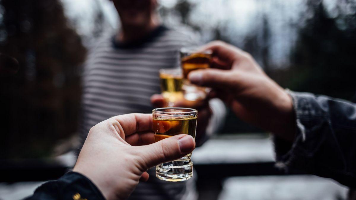 Efectele consumului excesiv de alcool asupra oaselor