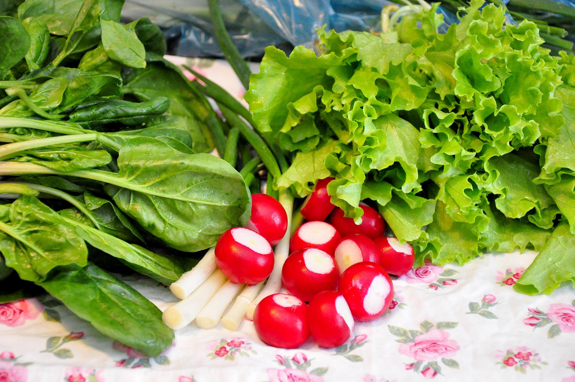La ce ajută consumul zilnic al unei porții de legume cu frunze