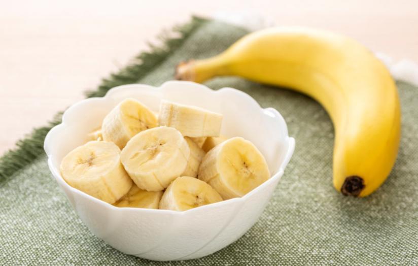 Este sănătos să mănânci banane la micul dejun?