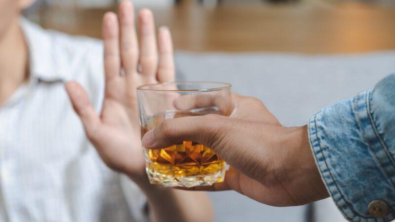 Program de screening online. În doar 5 minute poți să îți evaluezi singur consumul de alcool