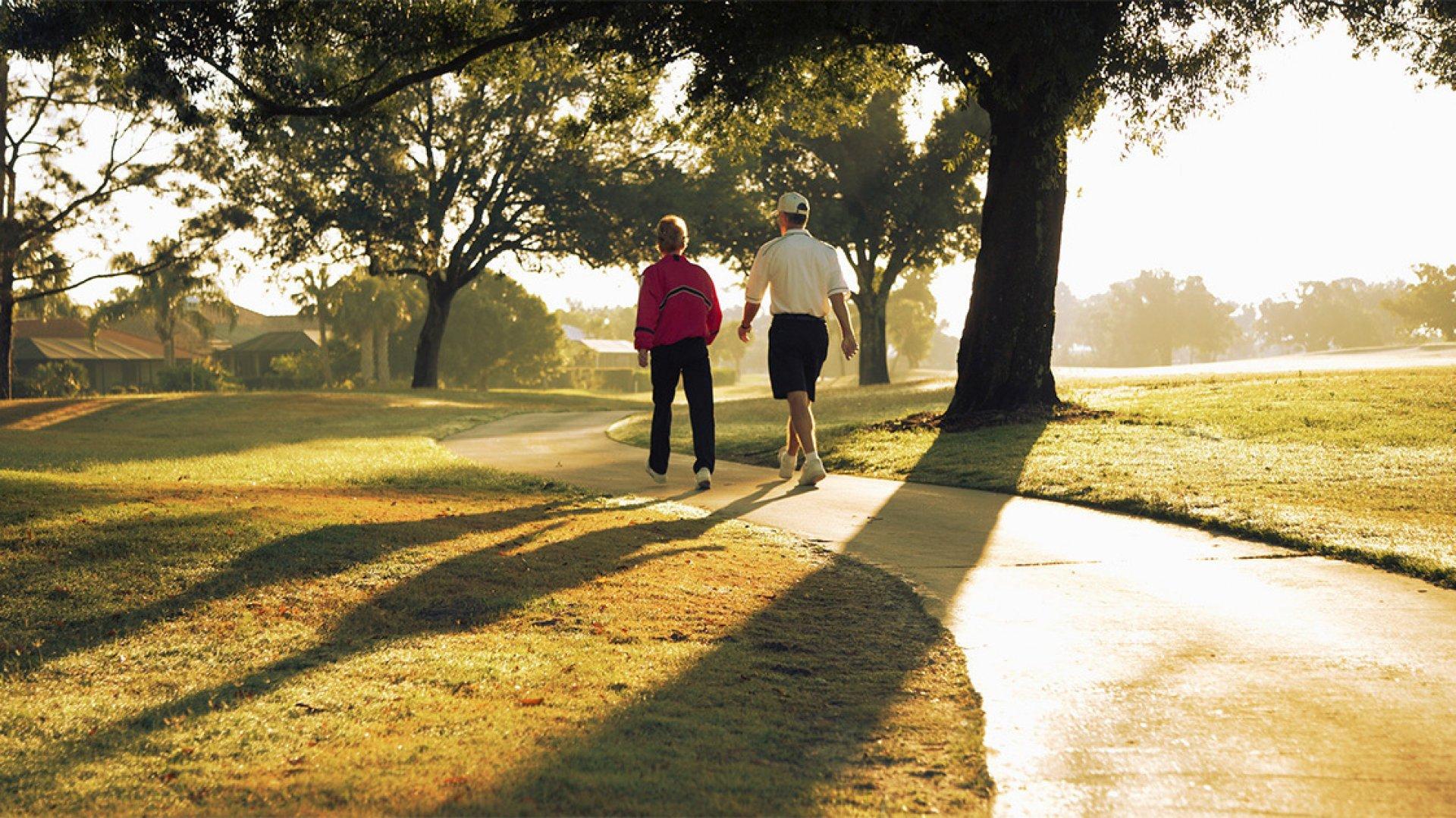 Cât de eficient este mersul pe jos după masă