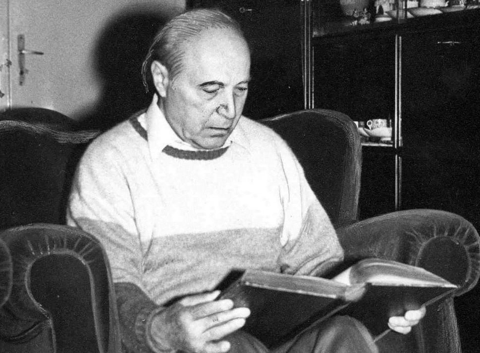 Profesorul Pius Brânzeu, chirurgul pasionat de artă plastică, fotbal și șah