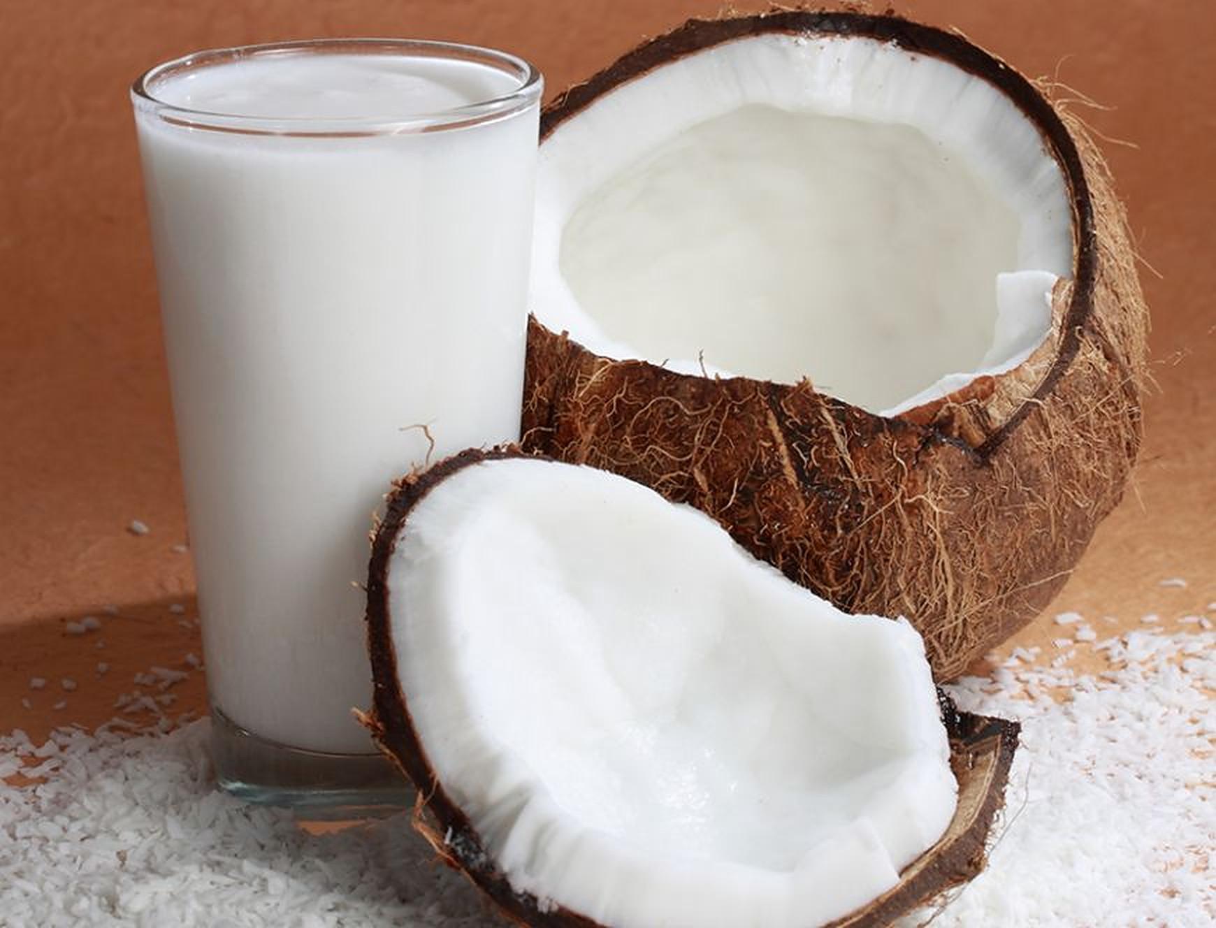 Cât de bun este laptele de cocos