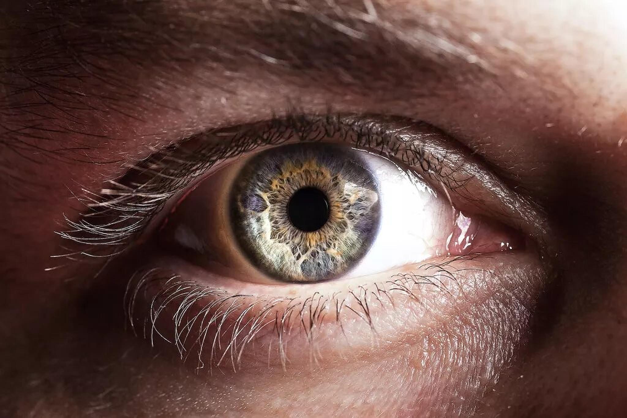 Omul își poate schimba dimensiunea pupilelor la comandă. Cât de rar este acest lucru?