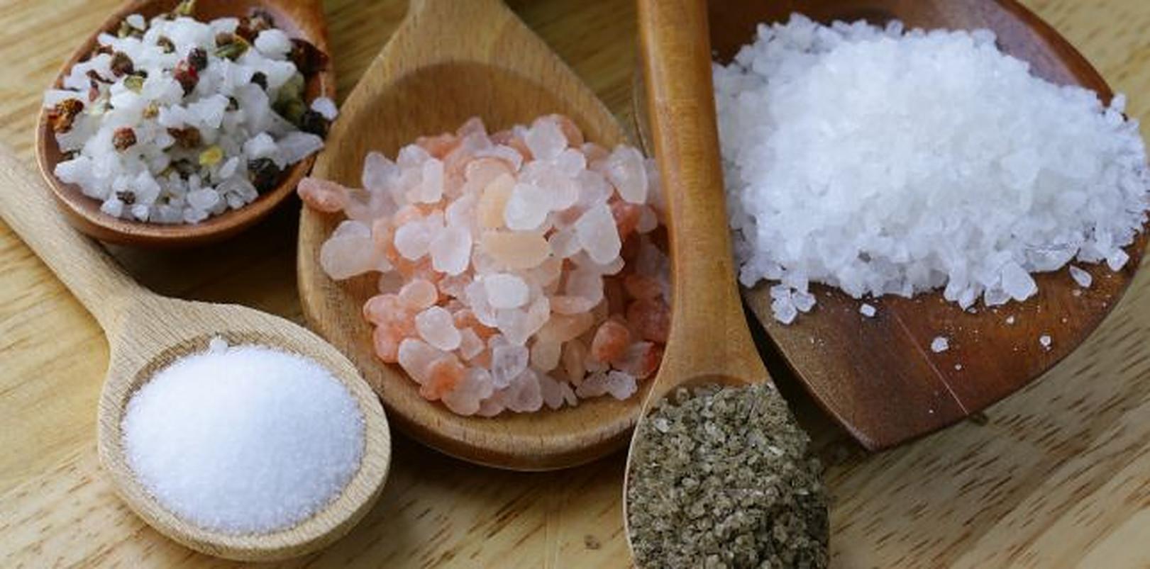 Dietele bogate în sare cauzează creșterea în greutate?