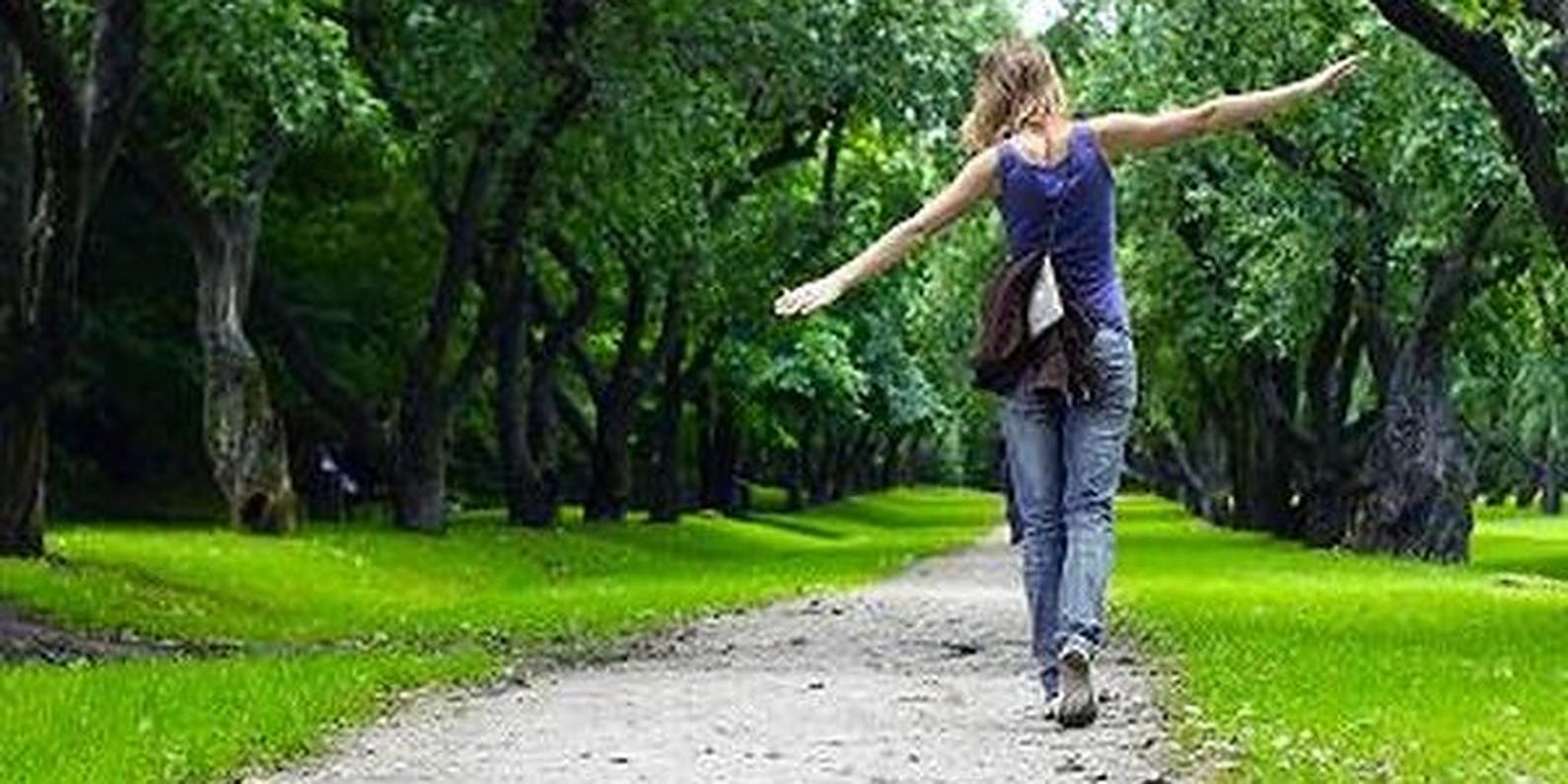 Adevăratele beneficii pentru sănătate ale ieșirii în aer liber